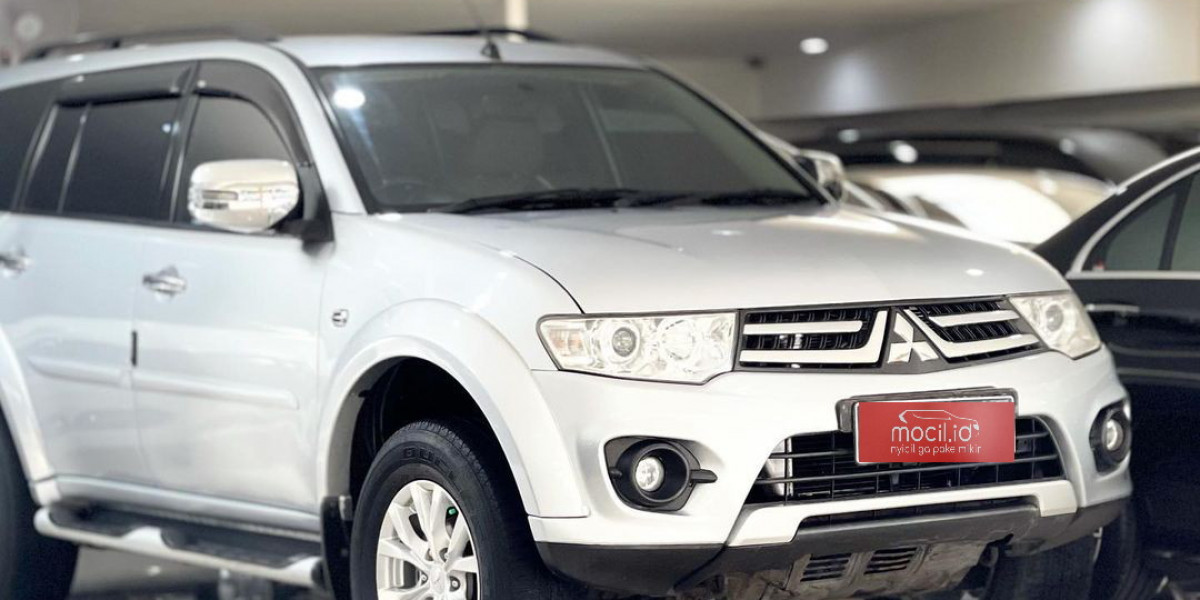 MITSUBISHI PAJERO EXCEED AT 2015