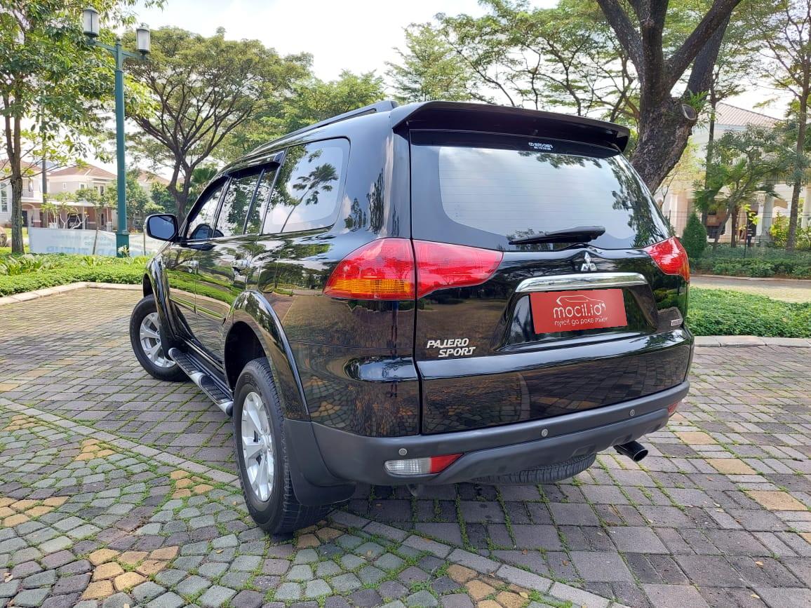 Mobil Mitsubishi Pajero Sport Dakar 4x2 Automatic 2012