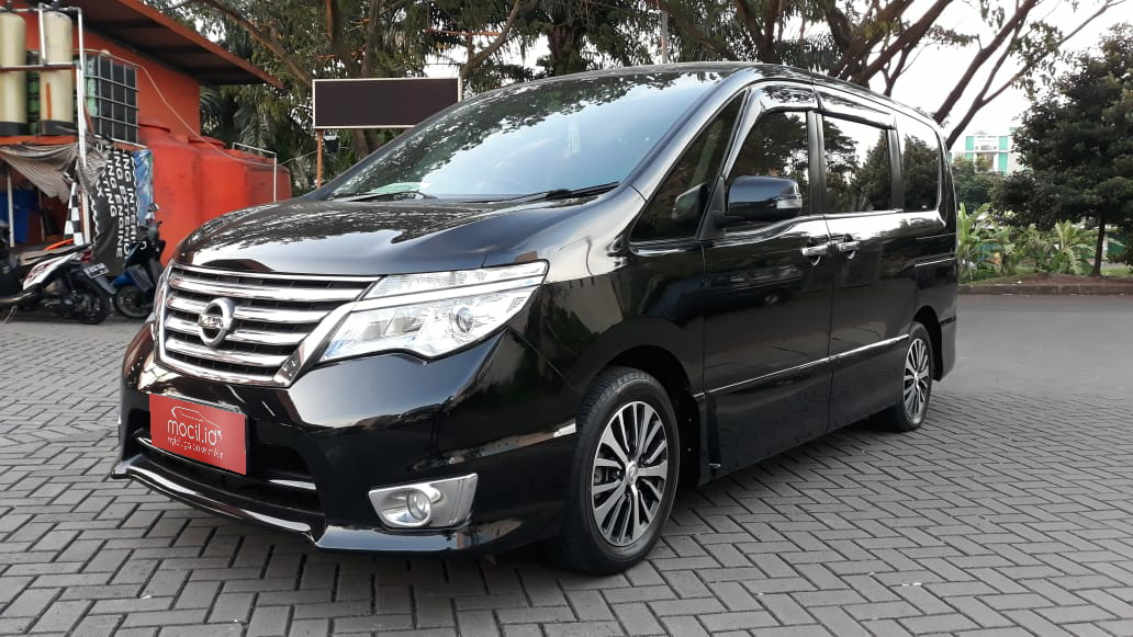 NISSAN SERENA 2.0L HWS AT 2015