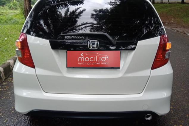 HONDA JAZZ 1.5L RS AT 2010