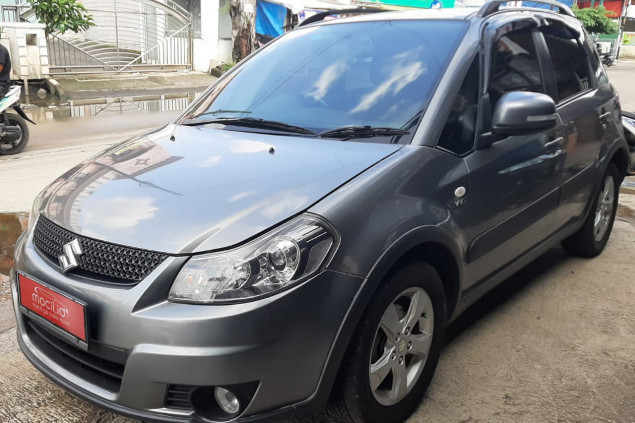 SUZUKI SX-4 1.5L CROSS OVER AT 2011