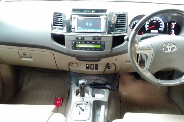 TOYOTA FORTUNER G LUXURY 2,7L BENSIN A/T 2013