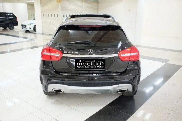 MERCEDES BENZ GLA 200 AT 2016