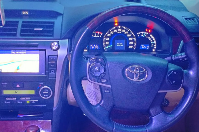 TOYOTA CAMRY V 2.4L A/T 2014 pemakaian 2015