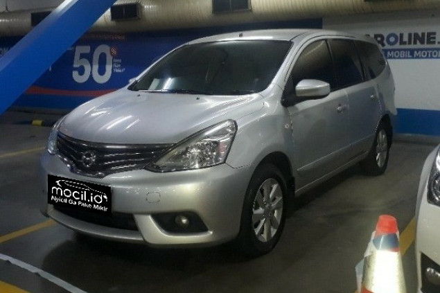 NISSAN GRAND LIVINA XV 1,5L AT 2013