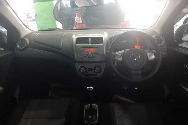 TOYOTA AGYA 1.0L TRD AT 2016