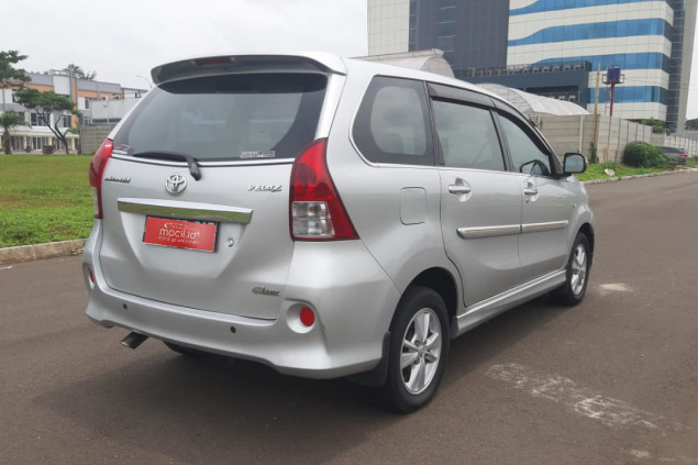 TOYOTA AVANZA 1.5L VELOZ AT 2014