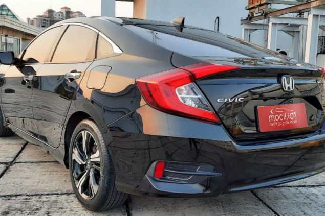HONDA CIVIC 1.5L TURBO SEDAN AT 2016