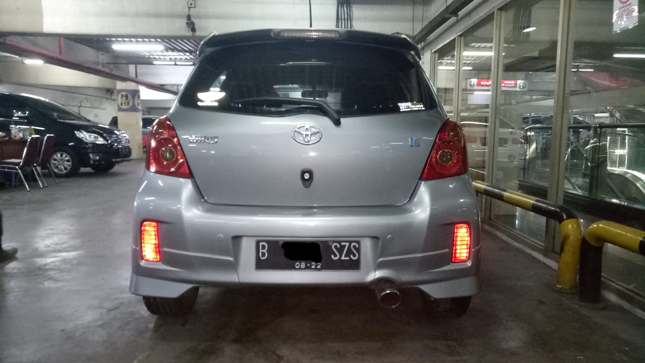 TOYOTA YARIS 1..5L E AT 2012