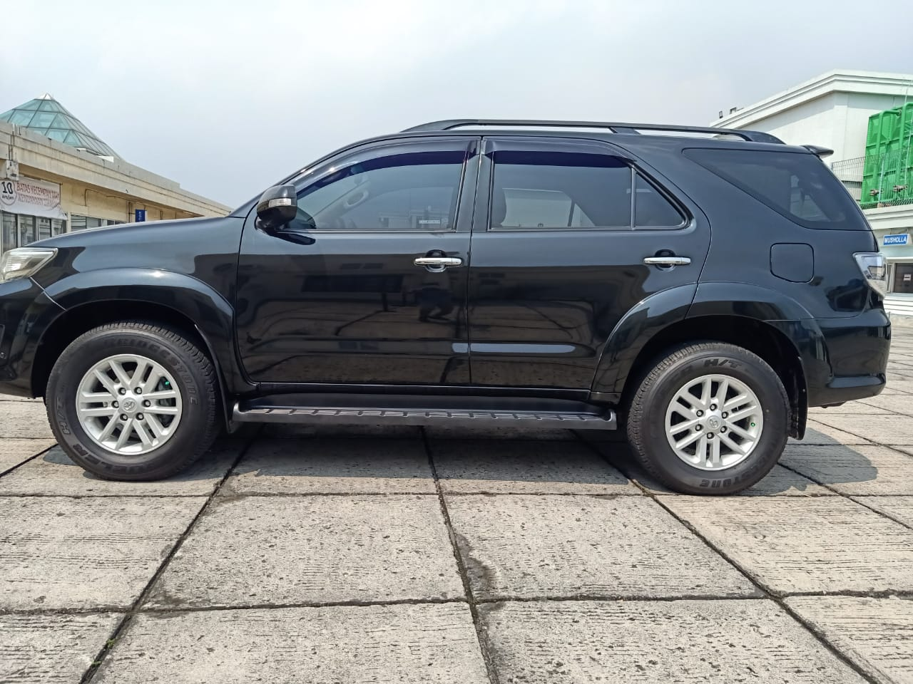 TOYOTA FORTUNER 2.5L G AT 2015