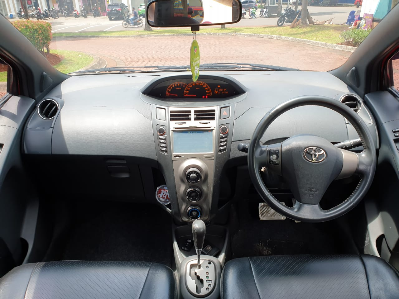 TOYOTA YARIS 1.5L S AT 2010