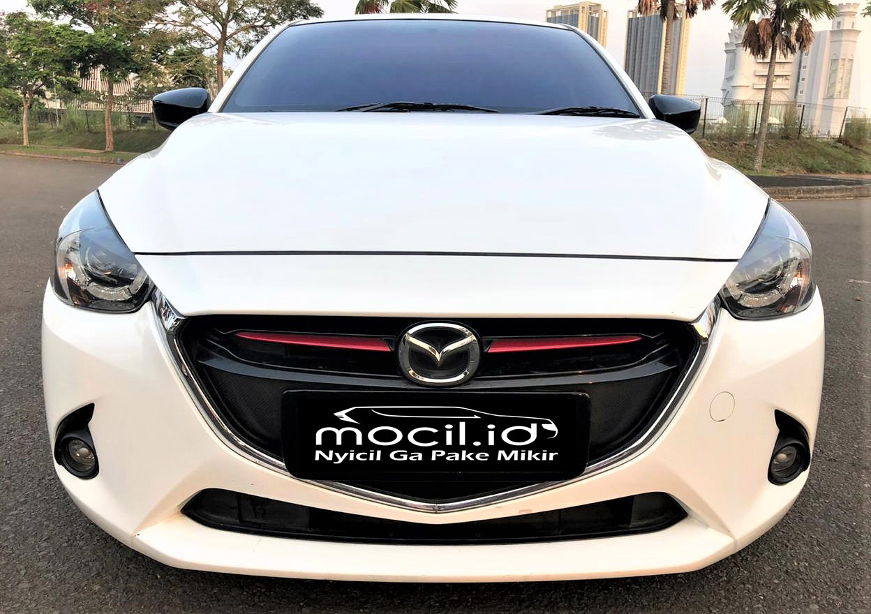 MAZDA 2 R LIMITED EDITION A/T 2015