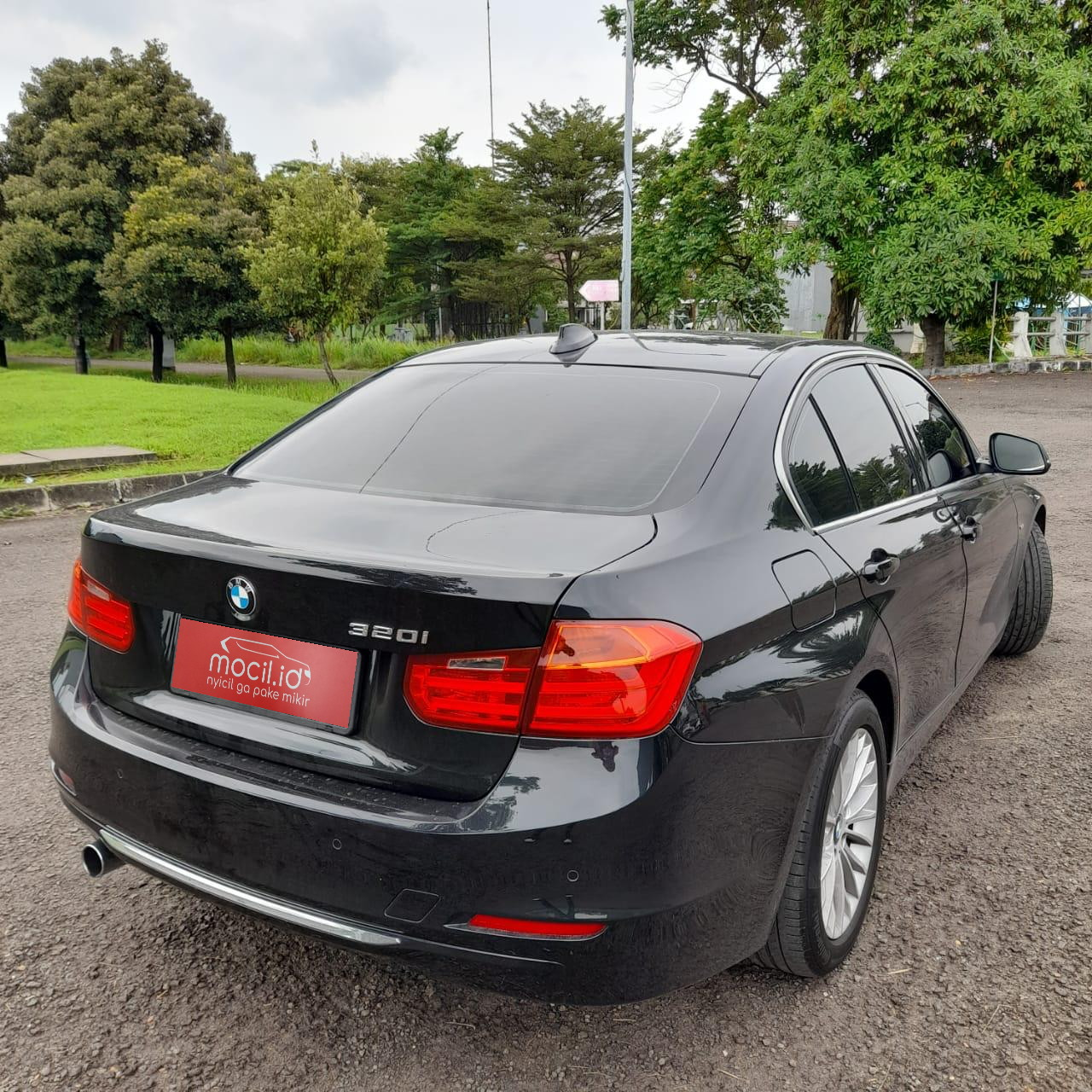 BMW SERIE 3 F30 320i LUXURY AT 2014