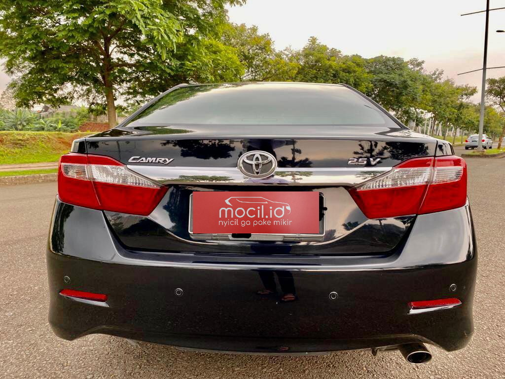 TOYOTA CAMRY 2.5L V AT 2014