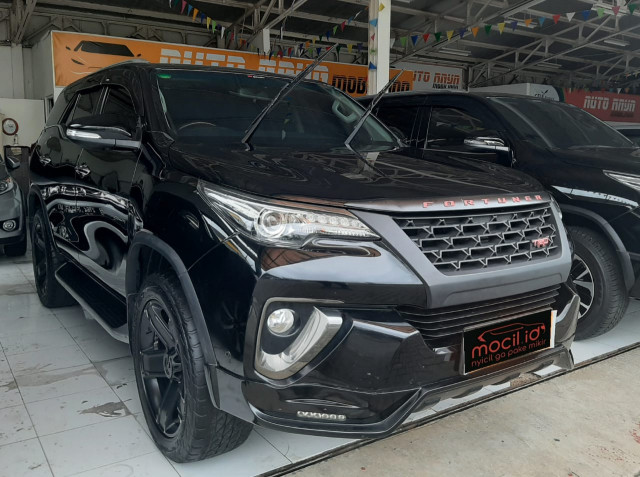 TOYOTA FORTUNER 2.4L VRZ TRD DIESEL AT 2016