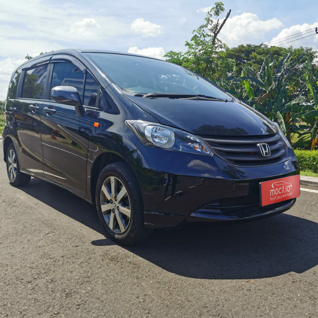 HONDA FREED 1.5L S AT 2011
