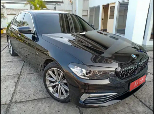BMW SERIE 5 520i G30 AT 2018