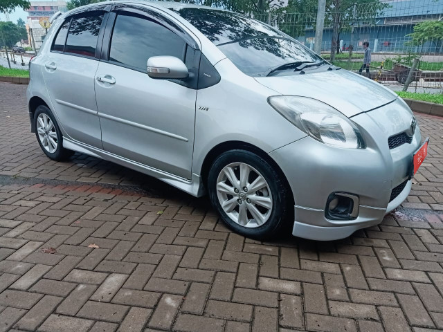 TOYOTA YARIS 1.5L S AT 2012