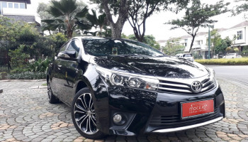 TOYOTA COROLLA ALTIS 1.8L V AT 2015