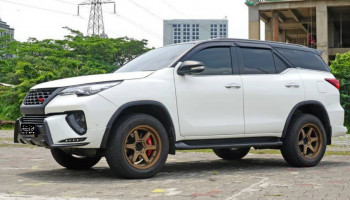 TOYOTA FORTUNER 2.4L VRZ DISESL AT 2016