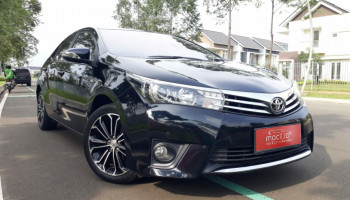TOYOTA COROLLA ALTIS 1.8L V AT 2016