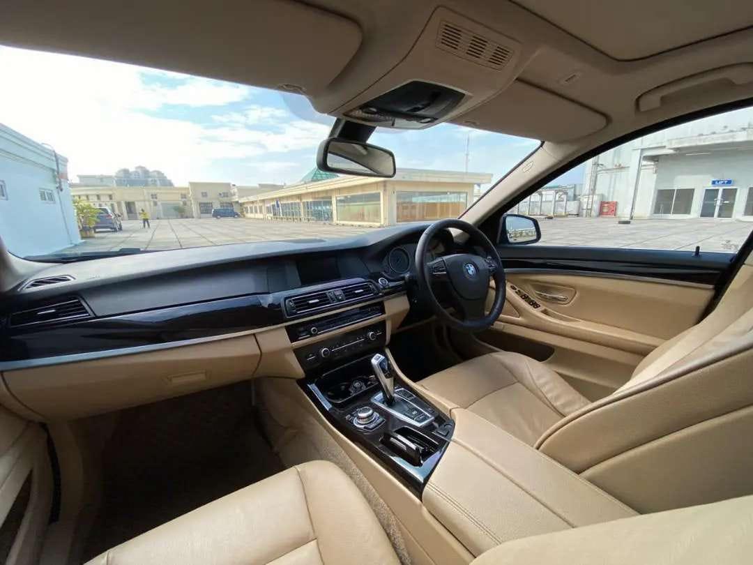 BMW 520i F10 LUXURY A/T 2013