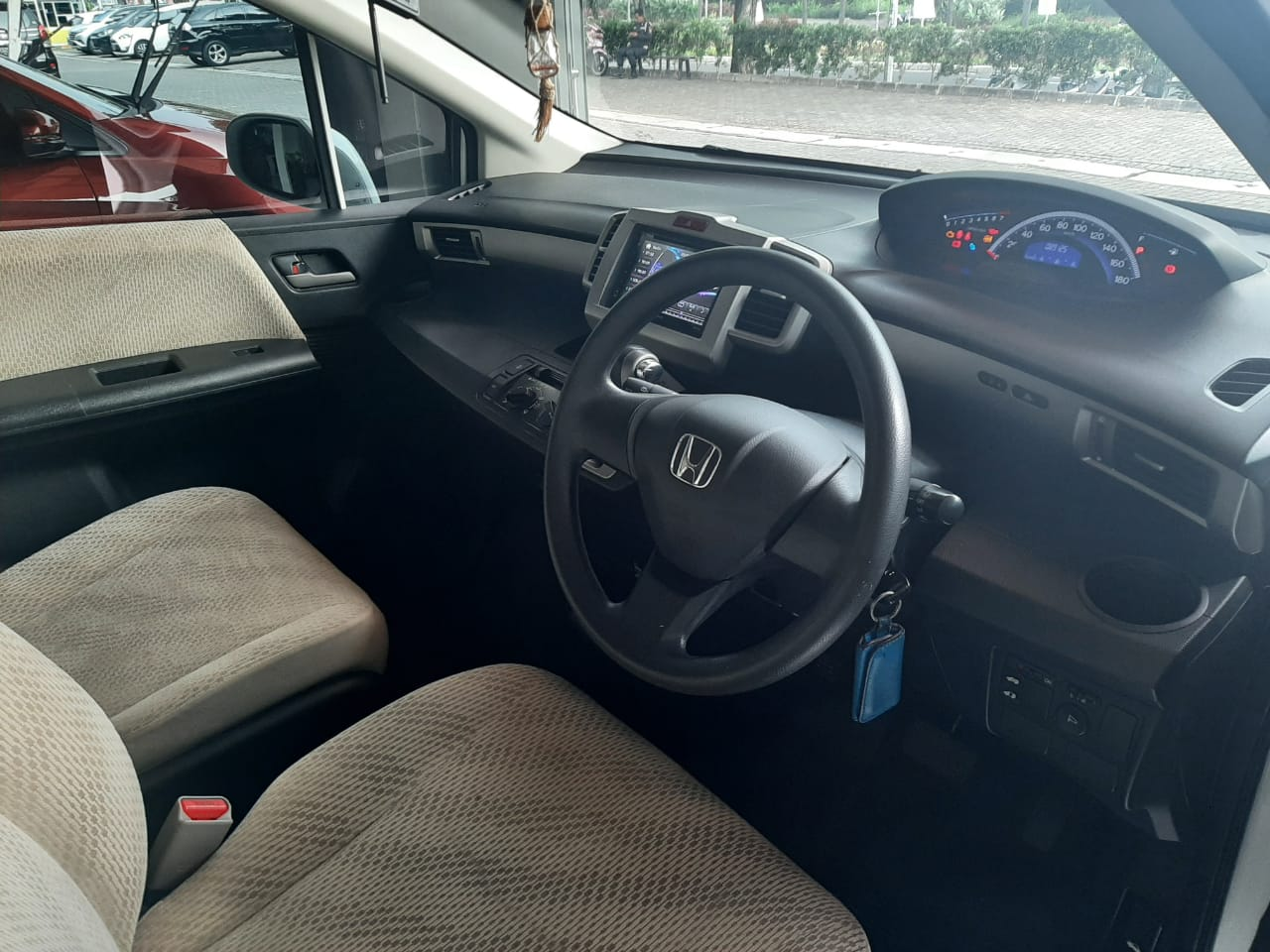 HONDA FREED 1.5L AT 2013